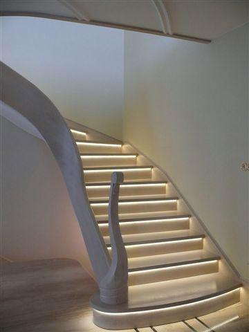 Schody podświetlone